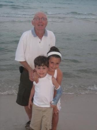 ปานามาซิตี, ฟลอริด้า: My sweet Daddy with my two angels.  (Mariann and Andrew)