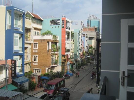 โฮจิมินห์ซิตี, เวียดนาม: The view outside our new room