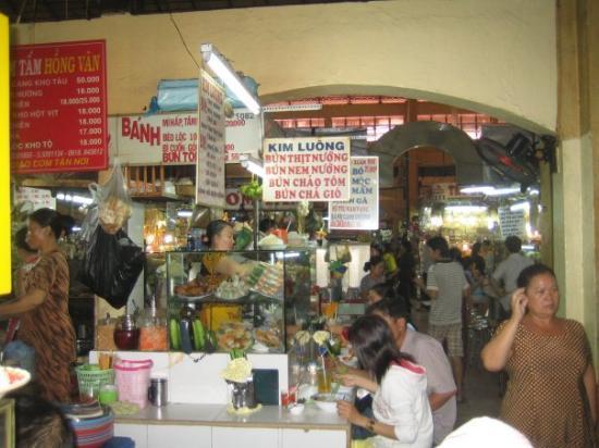 โฮจิมินห์ซิตี, เวียดนาม: Ben Thanh food court area