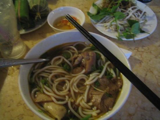 โฮจิมินห์ซิตี, เวียดนาม: Bun Bo Hue!
