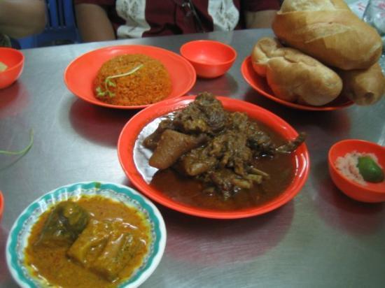 โฮจิมินห์ซิตี, เวียดนาม: Goat curry (yum)