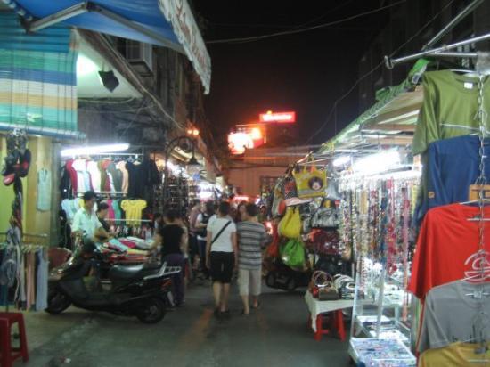 โฮจิมินห์ซิตี, เวียดนาม: Ben Thanh area at night