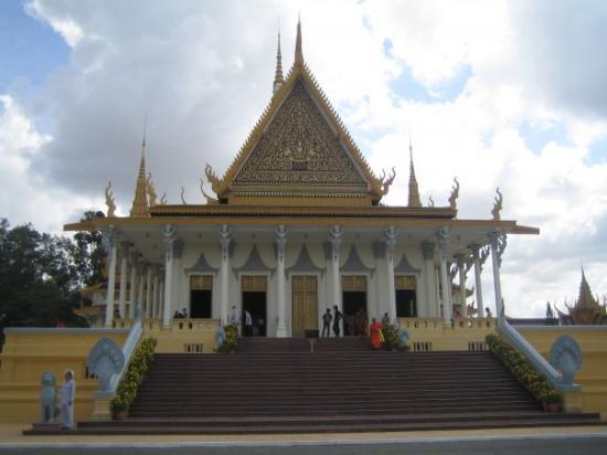 พนมเปญ, กัมพูชา: Inside the grounds of the Royal Palace