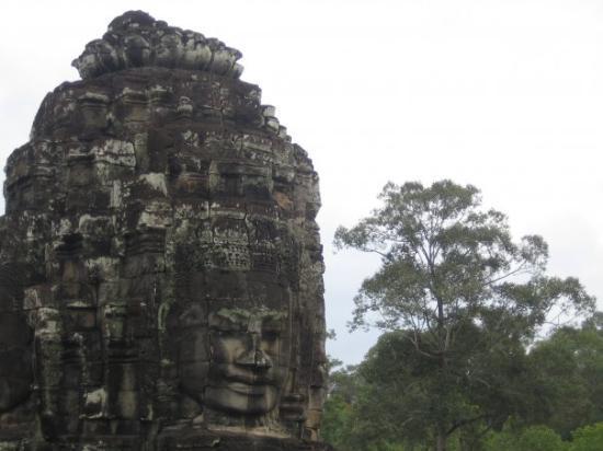 พนมเปญ, กัมพูชา: I loved Ankor Thom for all its smling faces.  Of all 216 faces, not one is like the other.