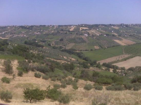 Lanciano, อิตาลี: The view from our room, where Ches' cousins live, in Nasuti.