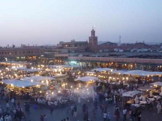 เจมาอา เอล ฟนา: Marrakesh at dusk