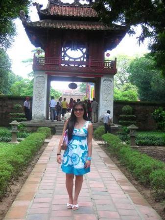 ฮานอย, เวียดนาม: at the temple of Literature