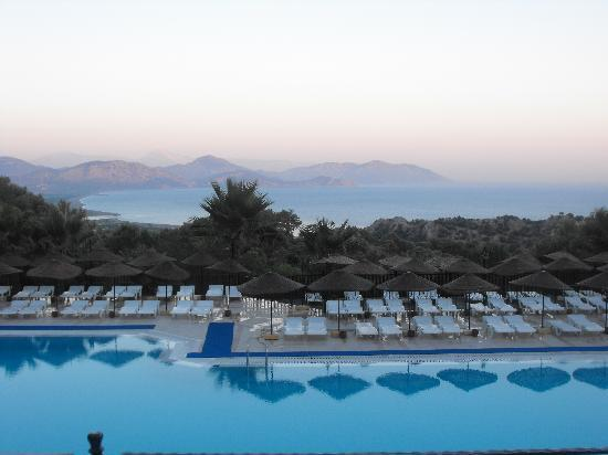 Caria Holiday Resort: The pool