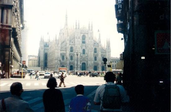 มิลาน, อิตาลี: Milán (1995)