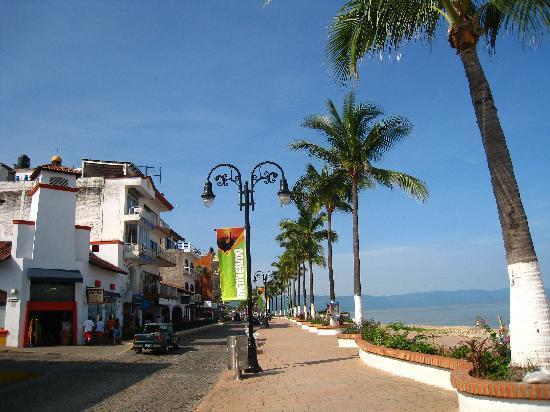 Hyatt Ziva Puerto Vallarta: Strolling the Malecon