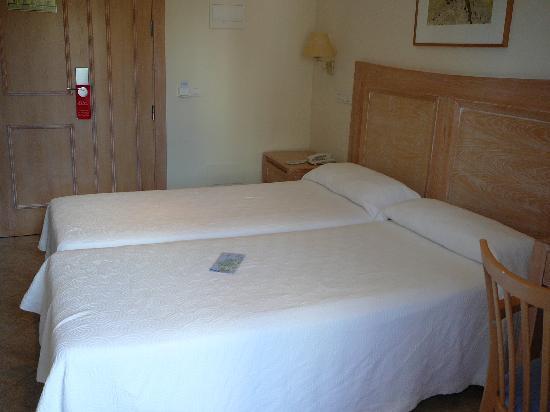 Hotel Voramar: Habitación