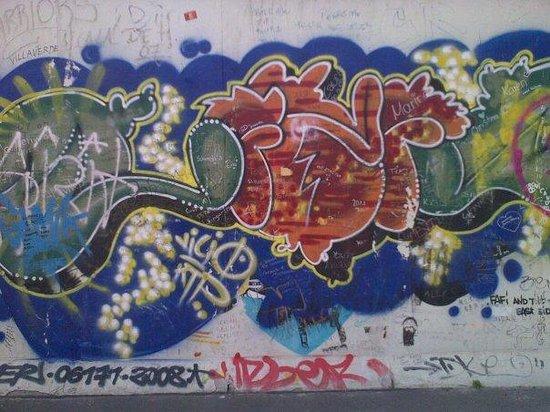 อนุสรณ์สถานกำแพงเบอร์ลิน: Berlin Wall stuff