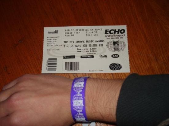 ลิเวอร์พูล, UK: Ticket to the ceremony...