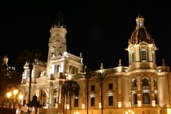 วาเลนเซีย, สเปน: Valencia Town Hall.