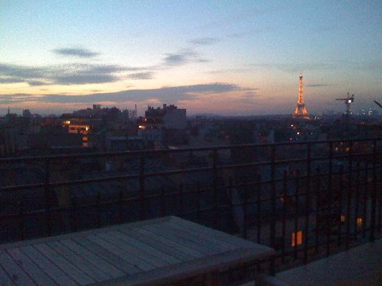 เลอ ลิทเทรอ โฮเต็ล: from the balcony
