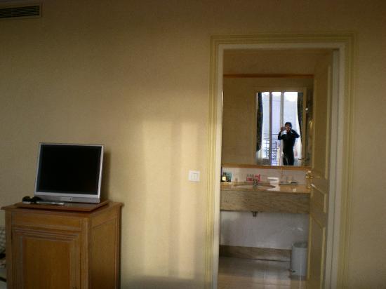 เลอ ลิทเทรอ โฮเต็ล: room 804