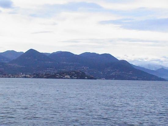สเตรซา, อิตาลี: Volcan (enfin je crois!!)