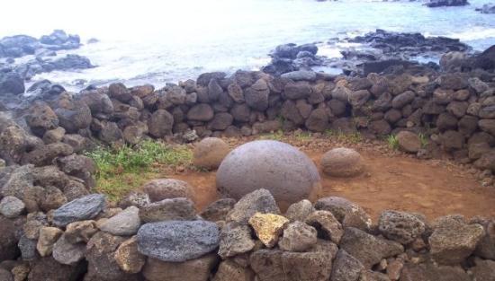 เกาะอีสเตอร์, ชิลี: La mediaaa mística