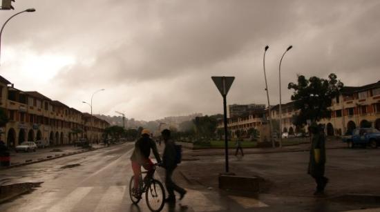 อันตานานาริโว, มาดากัสการ์: ambiance chaude à tana