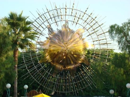 อนาไฮม์, แคลิฟอร์เนีย: Here's your sunshine!
