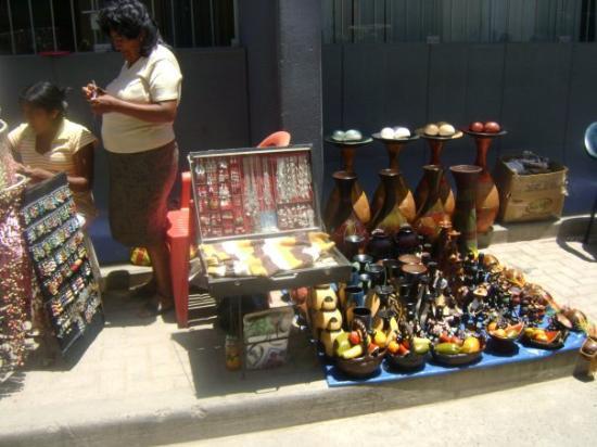 Piura, เปรู: straatverkopers