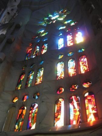 โบสถ์แห่งครอบครัวศักดิ์สิทธิ์: Inside