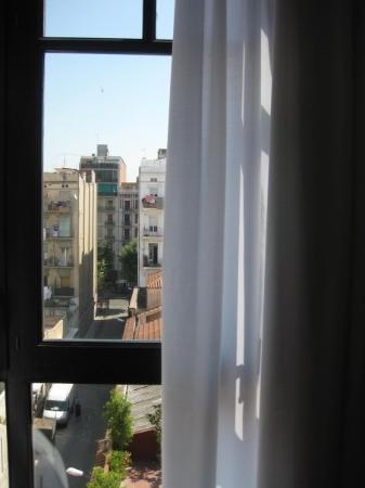 โฮเต็ล มาร์คเก็ท: View from our room at the Market hotel