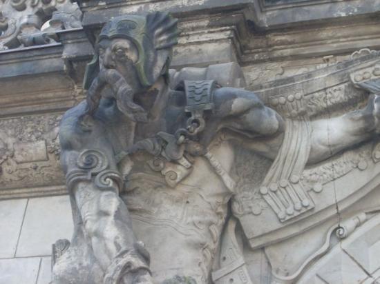 เดรสเดิน, เยอรมนี: detail on Saxon king quarters facade...