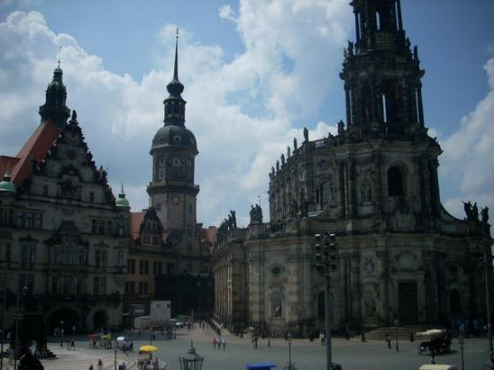 เดรสเดิน, เยอรมนี: The old Saxon king royal quarters on the left and part of the Catholic Cathedral in the right...