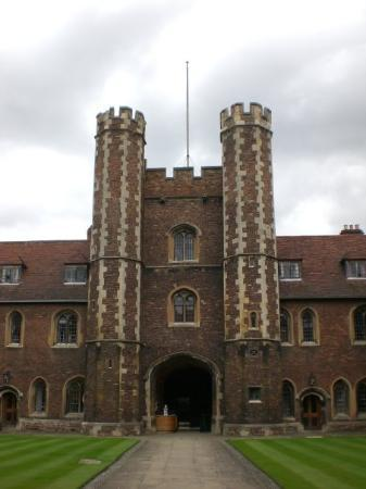 เคมบริดจ์, UK: Queen's college