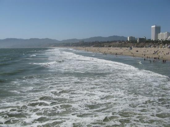 Santa Monica State Beach: View of the beach looking north