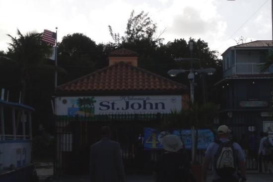 ครูซเบย์, เซนต์จอห์น: St John
