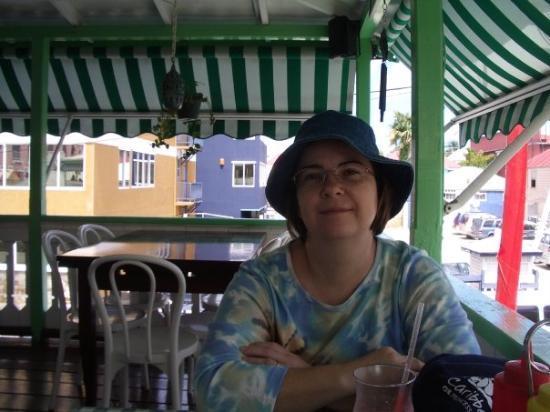 เซนต์จอห์นส์, แอนติกา: Nina relaxin in Antigua