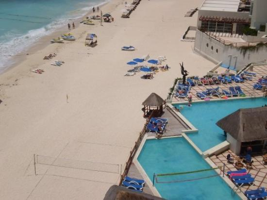 Oleo Cancun Playa: From our window...