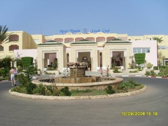 Houda Golf and Beach Club: The Front of the Hotel