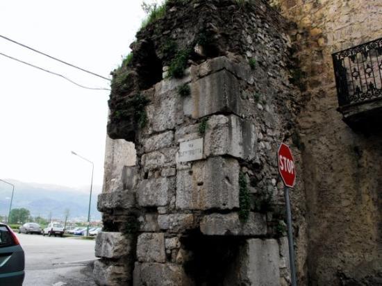Dragoni, อิตาลี: Alife, Italy
