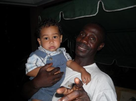 Abidjan, โกตดิวัวร์: Avec le chauffeur Simplice