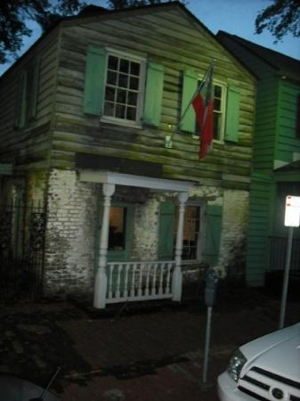 Savannah Historic District: Pirates House