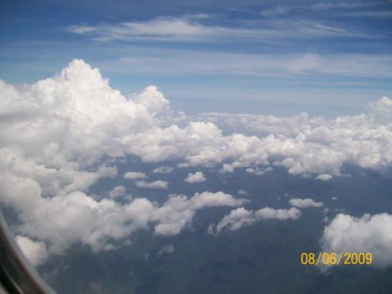 เกาะพีพีดอน, ไทย: floating between the clouds