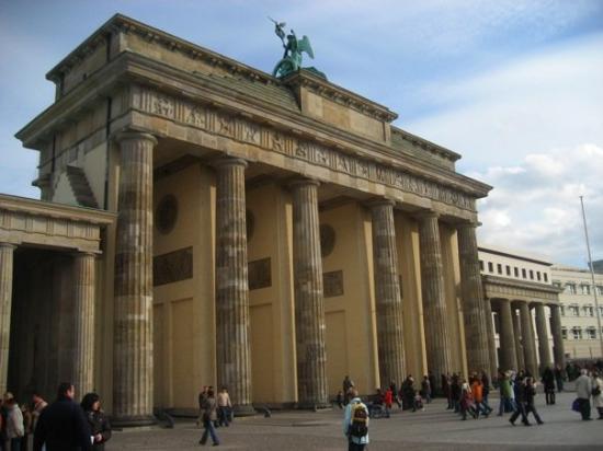 ประตูบรานเด็นเบิร์ก: Brandenburg Gate - Berlin - October 2008