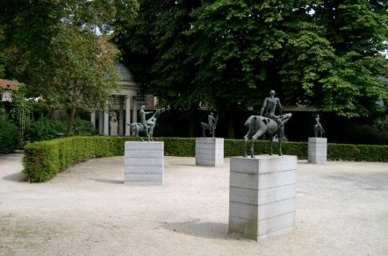 บรูจส์, เบลเยียม: the four horsemen of the appocolypse