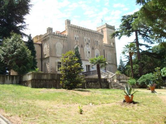 Slottet ute på Sveti Nikola, en ö strax utanför hamnen i Porec