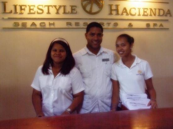ไลฟ์สไตล์ ทรอปิคอลบีช รีสอร์ท & สปา: A friendly welcome at the resort