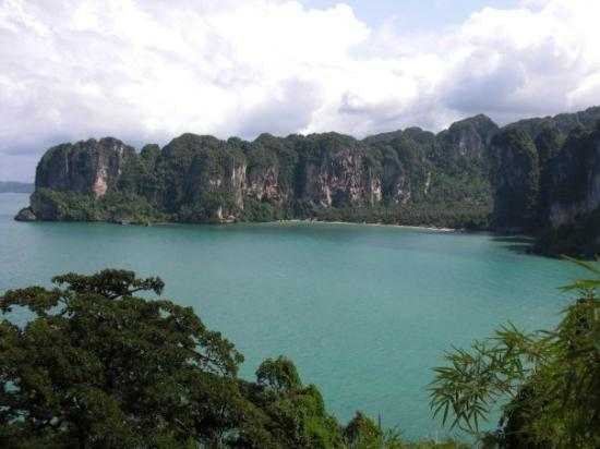 เมืองกระบี่, ไทย: View of Tonsai Bay from Thaiwand Wall.