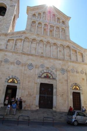 กาลยารี, อิตาลี: Cagliari - Duomo