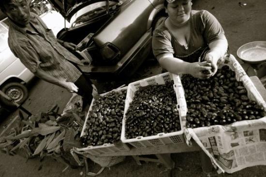 กูชิง, มาเลเซีย: Local Fruit...Dabai