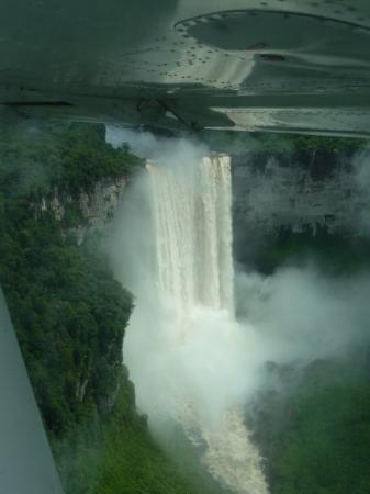 จอร์จทาวน์, กายอานา: Kaieteur - aerial view