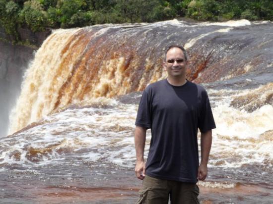 จอร์จทาวน์, กายอานา: KAIETEUR - spectacular waterfalls in Guyana
