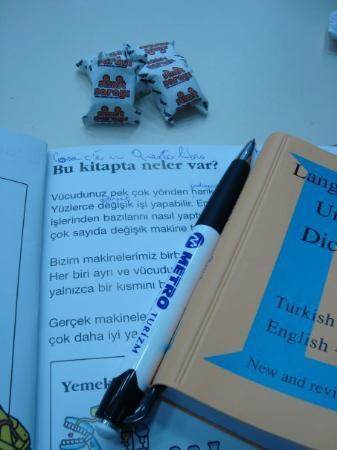 Victoria: Gezerek İngilizce öğrenin:)