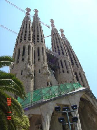 โบสถ์แห่งครอบครัวศักดิ์สิทธิ์: Sagrada de familia-Barecelona-Spain